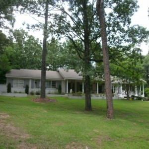 1713 Chickasaw Drive